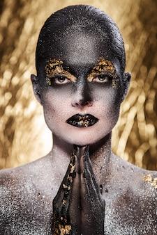 Piękny, artystyczny makijaż