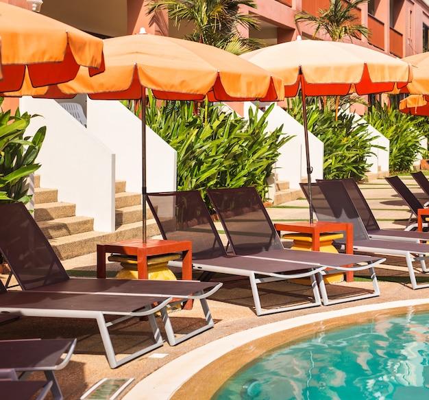 Piękny basen w tropikach resort