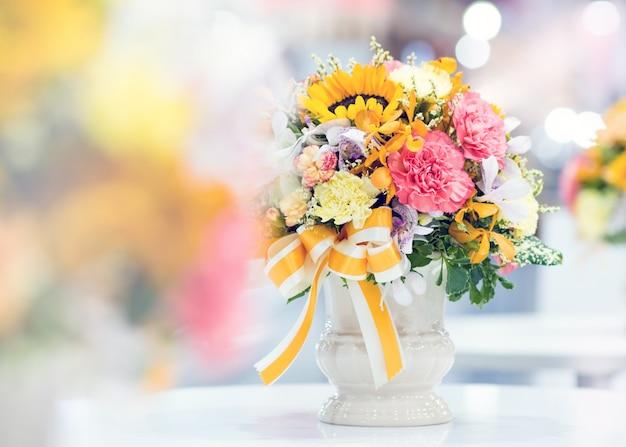 Piękny bukiet kwiatów kolorowych