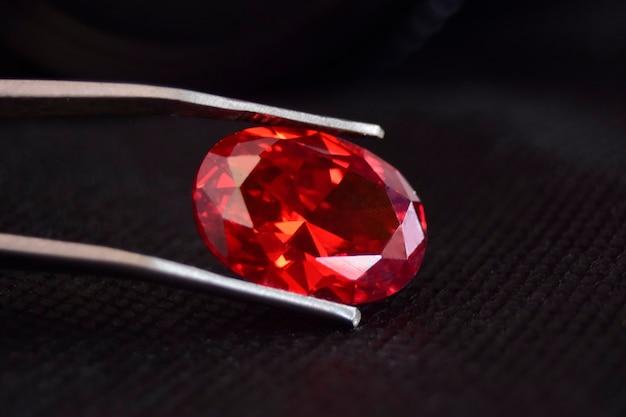 Piękny czerwony rubin rzadko