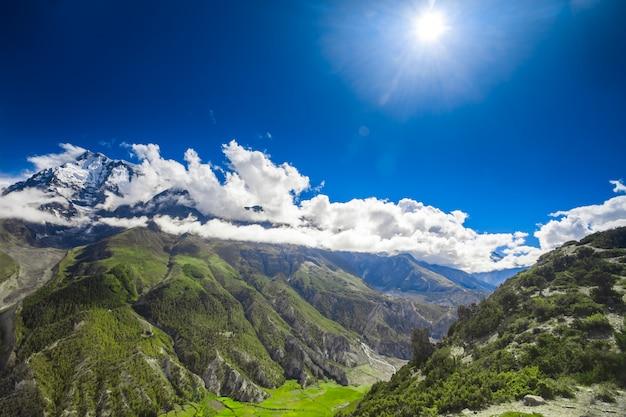 Piękny górski krajobraz. krajobraz przyrody
