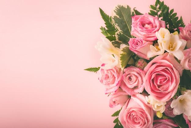 Piękny i delikatny bukiet kwiatów