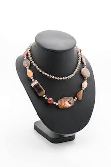 Piękny i luksusowy naszyjnik na biustonosz szyi