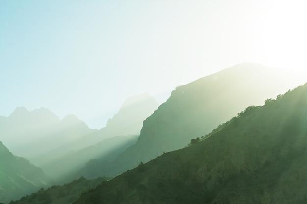 Piękny krajobraz gór fann, tadżykistan