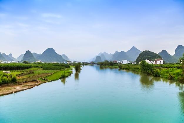 Piękny krajobraz guilin w yangshuo