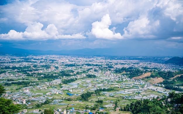 Piękny krajobraz nepalskiego miasta katmandu