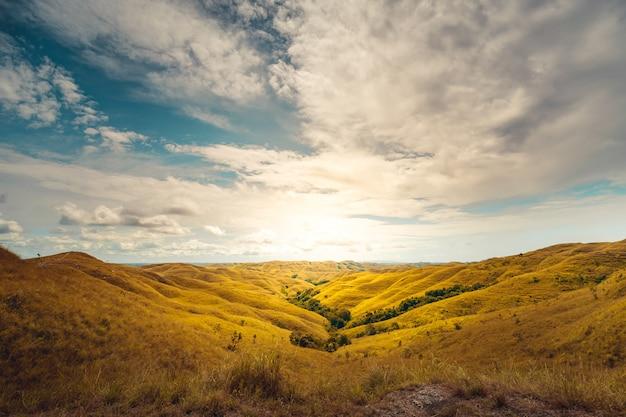 Piękny krajobraz panoramy wzgórze wairinding
