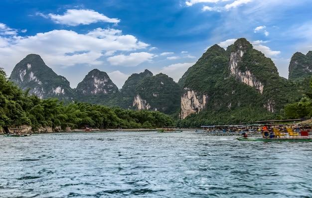 Piękny krajobraz rzeki lijiang w guilin