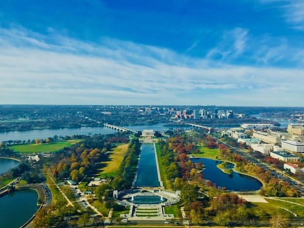 Piękny krajobraz z lincoln memorial w waszyngtonie