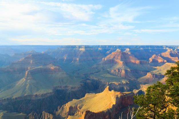 Piękny krajobraz z parku narodowego wielkiego kanionu w arizonie.