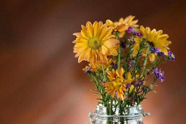 Piękny kwiat w wazonie