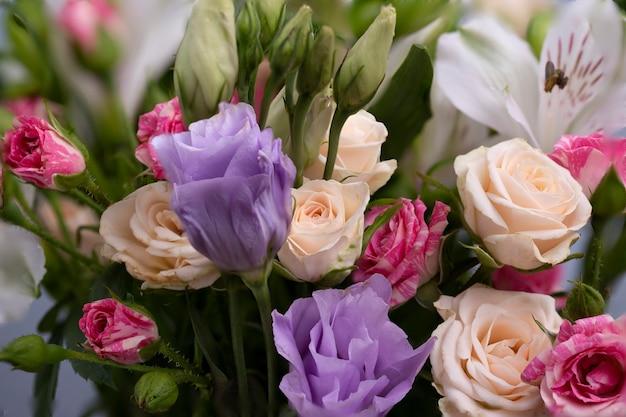 Piękny kwiatowy tło. kartka z życzeniami, dzień mamy, zaproszenie na ślub, urodziny. skopiuj miejsce