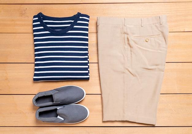 Piękny męski zestaw ubrań i mody na co dzień