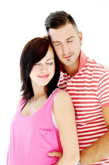 Piękny mężczyzna i śliczna dziewczyna szczęśliwi wpólnie