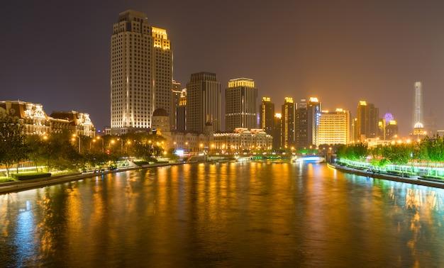 Piękny noc widok miasto w tianjin, chiny