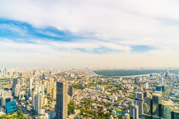 Piękny panoramę miasta z architekturą i budynkiem w bangkoku w tajlandii