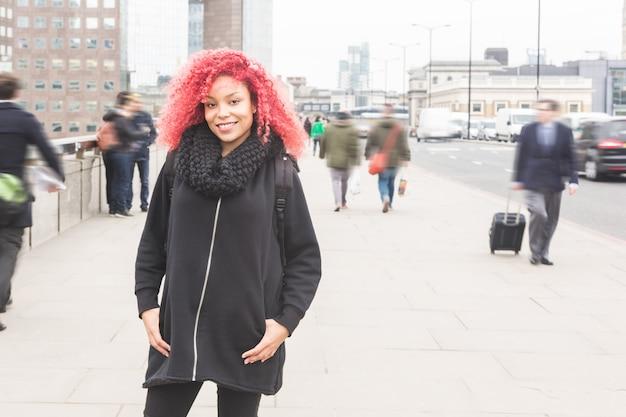 Piękny portret kobiety redhair w londynie