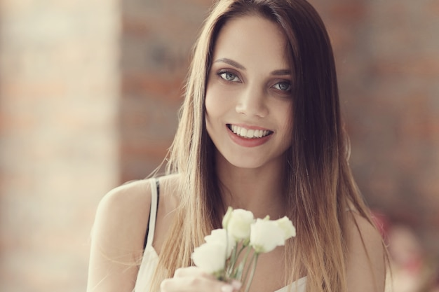Piękny portret młodej kobiety