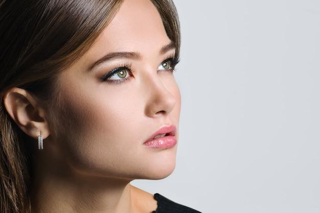 Piękny portret pięknej kobiety