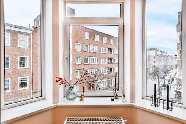 Piękny projekt okna w nowoczesnym domu