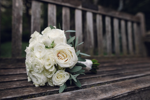 Piękny ślubny bukiet kwiaty