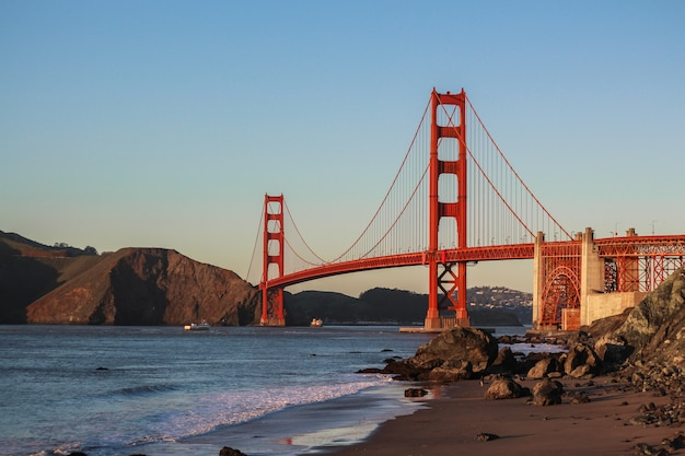 Piękny strzał w golden gate bridge