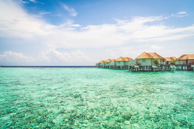 Piękny tropikalny kurort na malediwach
