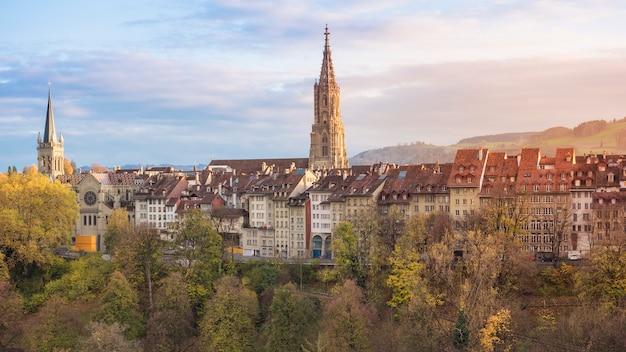 Piękny widok bern i berner munster katedra w szwajcaria