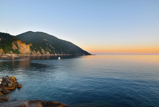 Piękny widok na morze w camogli