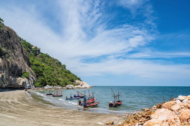 Piękny widok na pejzaż morski w huahin prachuap khiri khan thailand.hua hin to nadmorski kurort nad zatoką tajlandzką