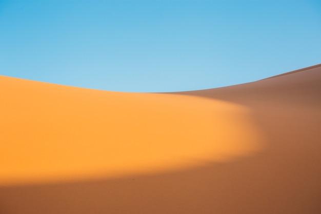 Piękny widok na pustynię w ciągu dnia