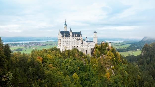 Piękny widok neuschwanstein kasztel, niemcy