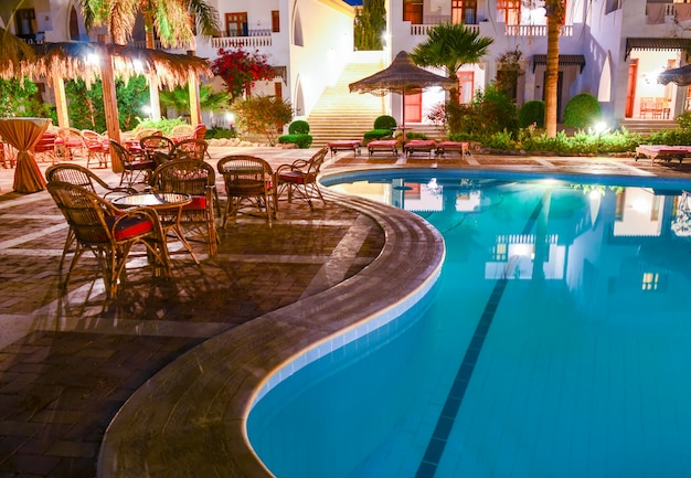 Piękny wieczór w hotelu