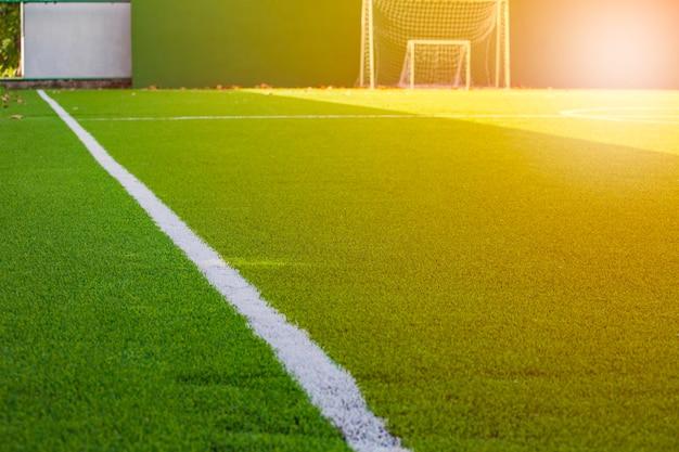 Piękny wzór świeżej zielonej trawy do sportu piłkarskiego, boiska do piłki nożnej, boiska do piłki nożnej, tekstury sportów zespołowych