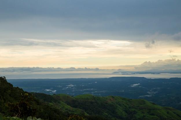 Piękny zmierzchu widok costa rica