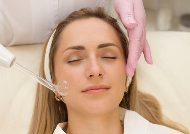 Pielęgnacja twarzy w salonie