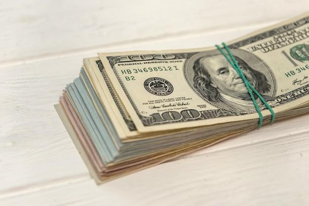 Pieniądze dolary, koncepcja finansowa