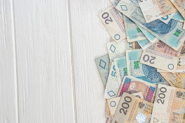 Pieniądze polskie złoty, 20 50 200 zł. koncepcja finansowa