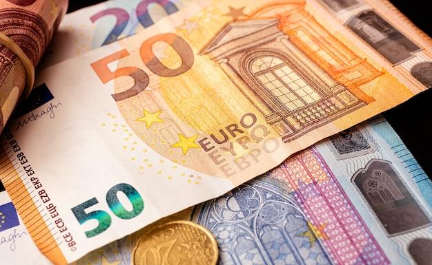 Pieniądze z banknotów euro dla koncepcji finansów i gospodarki unii europejskiej