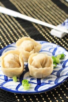 Pierogi, mandu to najpopularniejsze koreańskie jedzenie, seul, korea południowa
