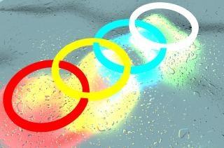 Pierścienie kolor na fali