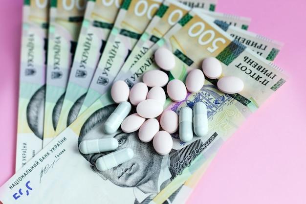 Pigułki i ukraińskie pieniądze to hrywny. pojęcie.