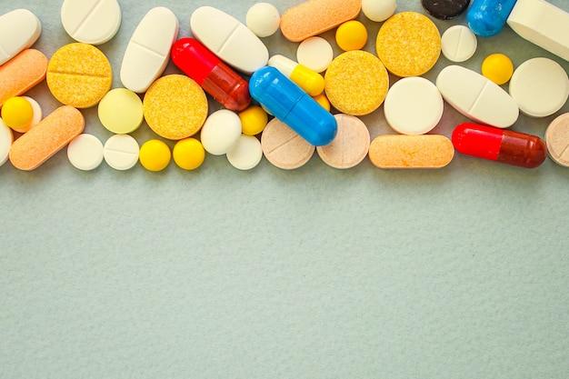 Pigułki, różne rodzaje leków na tę chorobę