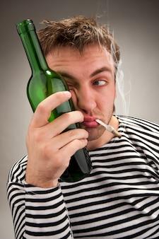 Pijany dziwaczny żeglarz
