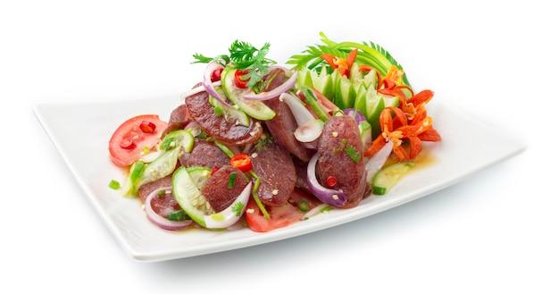 Pikantna sałatka chińska wieprzowa sos z warzywami