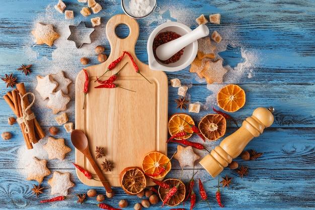 Pikantne święta bożego narodzenia. składniki do gotowania pieczenia