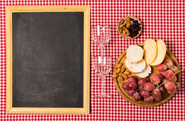 Piknikowy asortyment z blackboard makietą