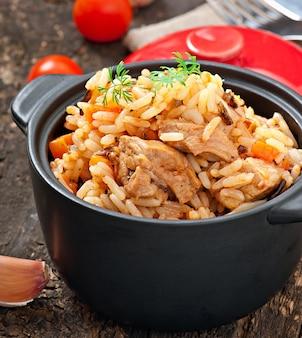 Pilaw - owsianka ryżowa z mięsem i przyprawami