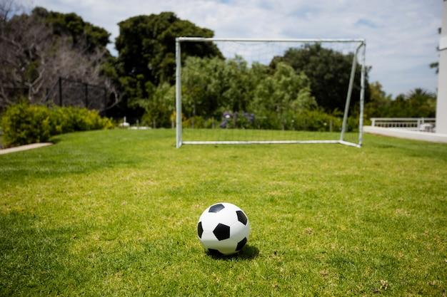 Piłka nożna na boisko