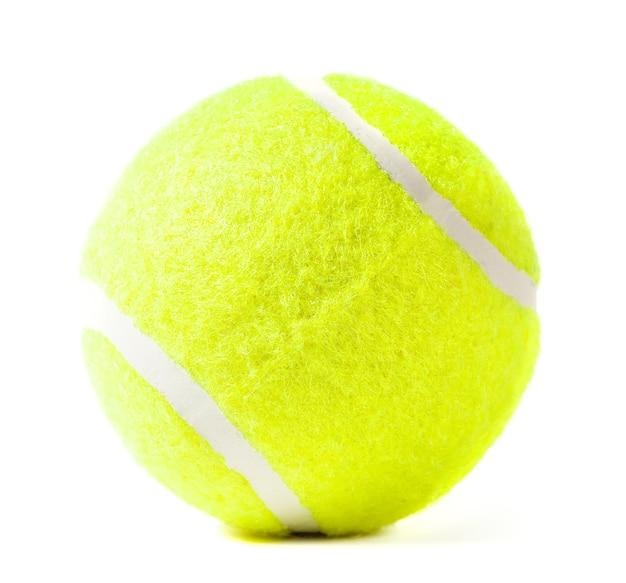 Piłka tenisowa na białym tle